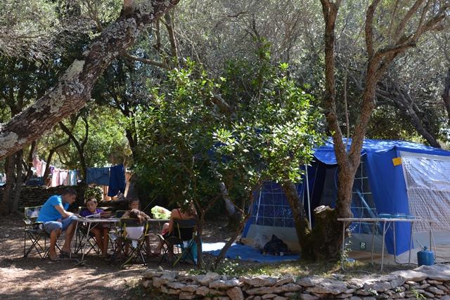 Camping-campingufarniente-service-bonifacio-corse.jpg