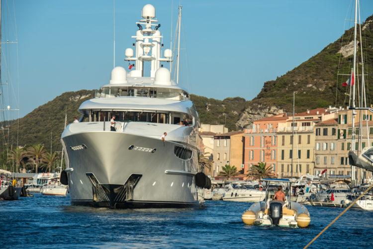 Bonifacio-bateaux-corse-corsica-bunifazziu