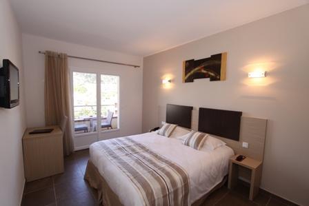 Hotel-bonifacio-amadonetta-corse-chambre.jpg