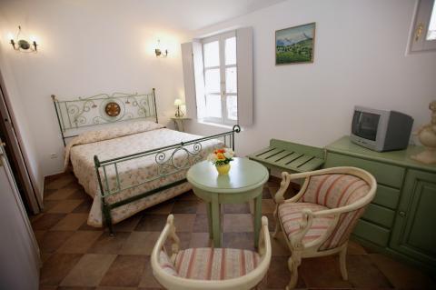 Hotel-colomba-chambre-bonifacio.corse.jpg