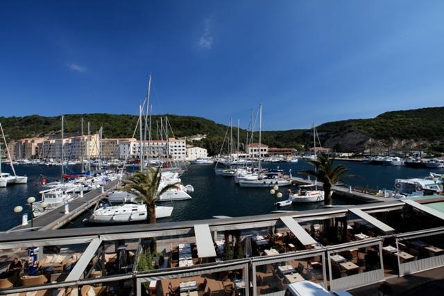 Hotel-lacaravelle-port-bonifacio-corse.jpg