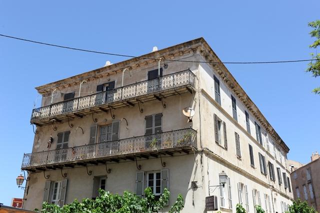 Hotel-leroyal-vue-bonifacio-corse.jpg