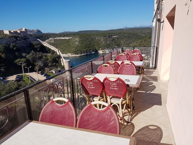 Restaurant-cafédelaposte-terrasse-bonifacio-corse.jpg