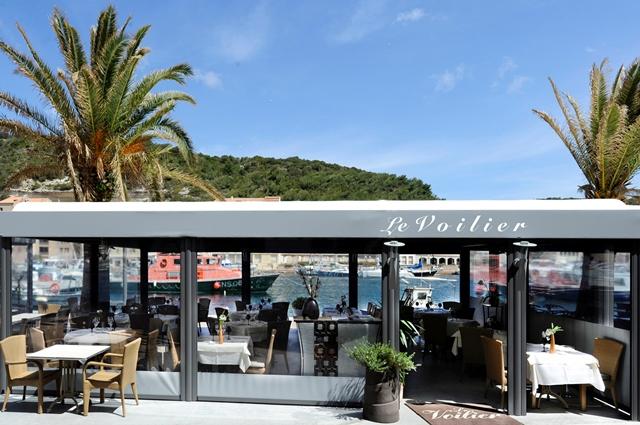Restaurant-levoilier-terrasse-bonifacio-corse.jpg