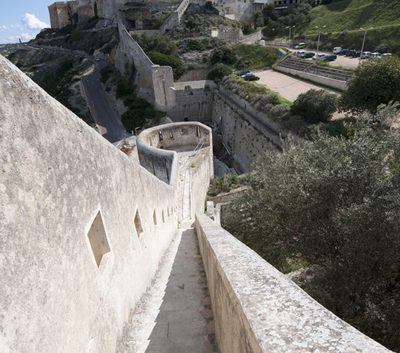 Cheminderonde, vertige, fortification, Bonifacio, Corse.jpg