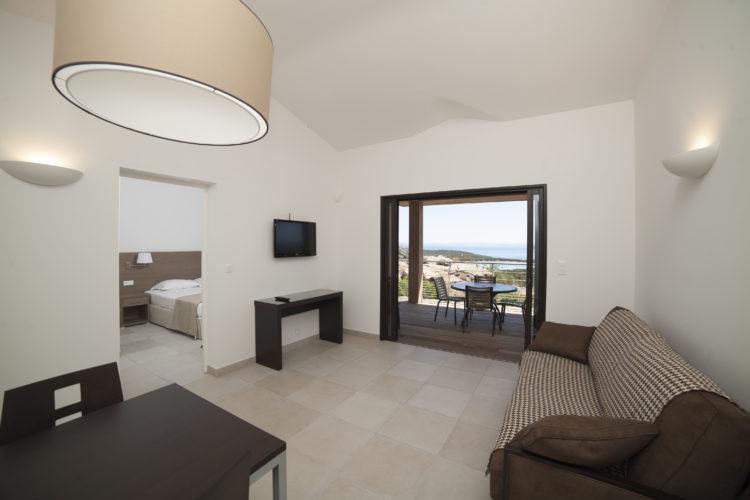 Résidence-terrasse-rondinara-chambre-Bonifacio-Cors.jpg