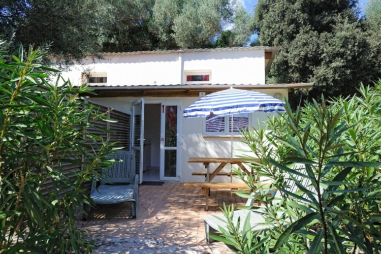 Camping-campdiliccia-bungalow-bonifacio-corse