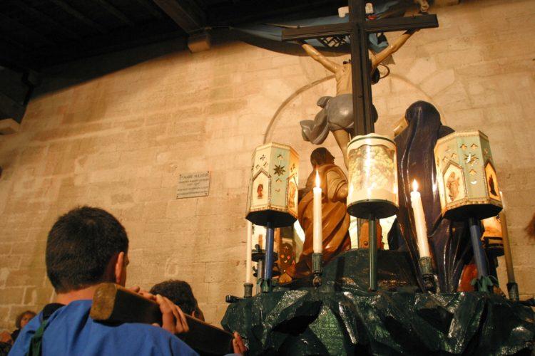 Procession-chasse-religion-grandechasse-Bonifacio