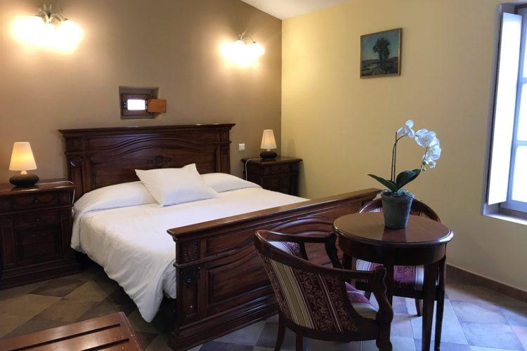 Colomba-chambre-hotel-familliale-hébergement-Corsica.jpg