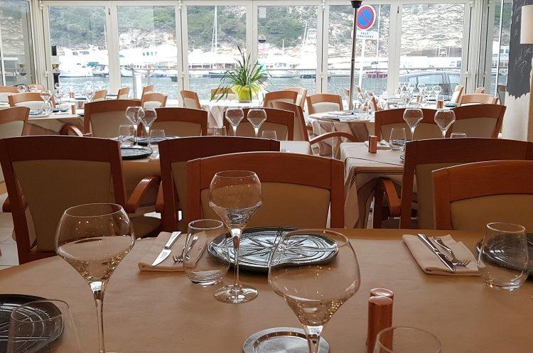 restaurant-les-4-vents-Bonifacio-table-corsica.jpg