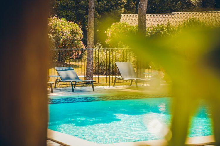 Hotel-Preca-Gianca-piscine-salon-Bonifacio.jpg