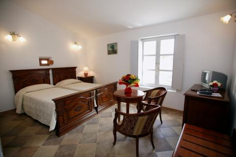 Hotel-colomba-ambiance-bonifacio.corse.jpg