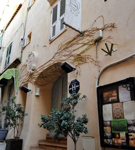 Hotel-colomba-citadelle-bonifacio.corse.jpg