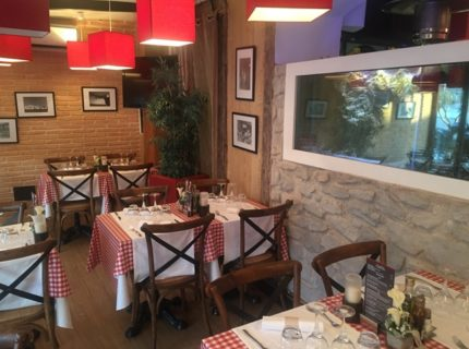 Restaurant-darocca-ambiance-bonifacio-corse.jpg