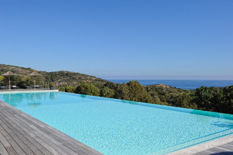Résidence-terrasse-rondinara-piscineazur-Bonifacio-Cors.jpg