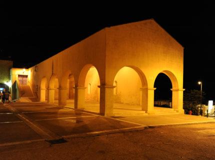 rueet ruelle-Bonifacio-balade-patrimoine-Corse.jpg