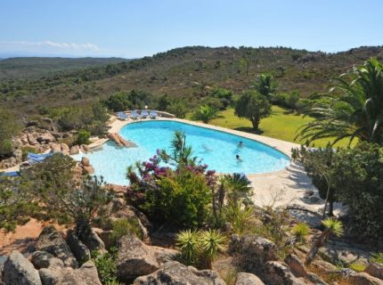 résidence-santamonica-piscine-bonifacio-corse