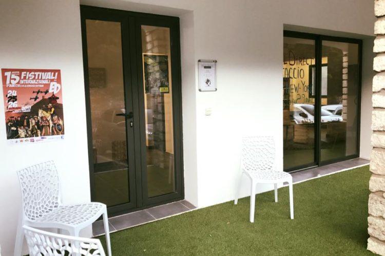 Aria-voyage-Bonifacio-Corsica-vacances-bureau.jpg