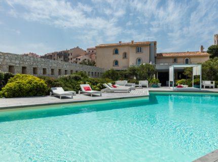 Hotel-génovese-piscine-bonifacio-corse.jpg