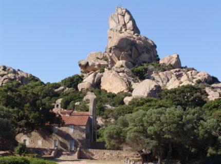 Oratoire-tiberine-Trinité-Bonifacio-Corsica.jpg