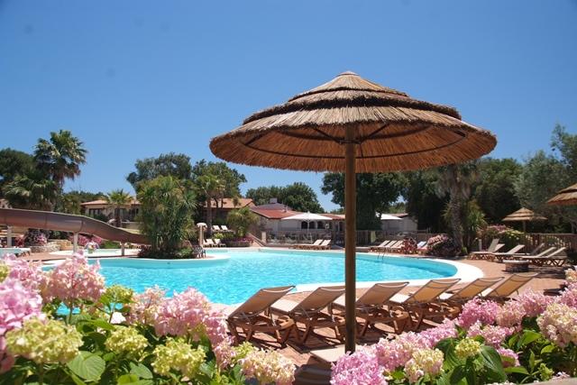 Camping-campingufarniente-piscine-bonifacio-corse.jpg