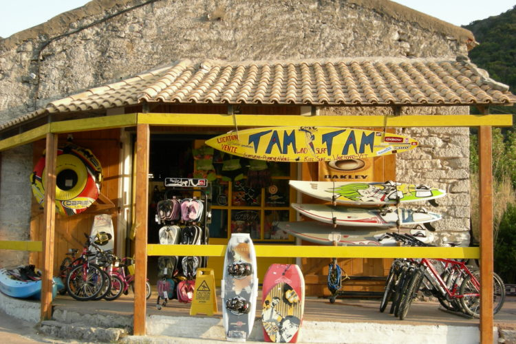 Location-tamtam-boutique-bonifacio-corse.jpg
