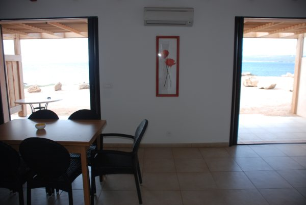 Locationmeublés-latonnara-séjour-bonifacio-corse.jpg