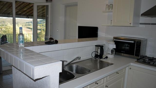 Résidence-maoravillage-cuisine-bonifacio-corse.jpg