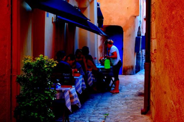 Restaurant-laloggia-port-bonifacio-corse.jpg