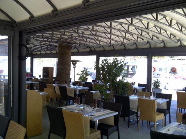 Restaurant-lescale-ambiance-bonifacio-corse.jpg