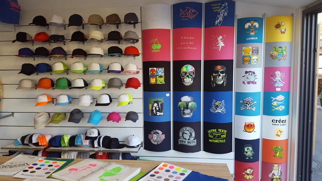 Shopping-imagine-casquettes-bonifacio-corse.jpg