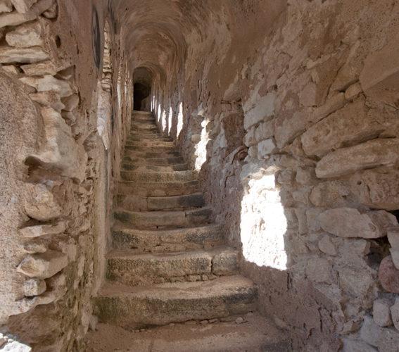 Cheminderonde, escalier, fortification, Bonifacio, Corse.jpg