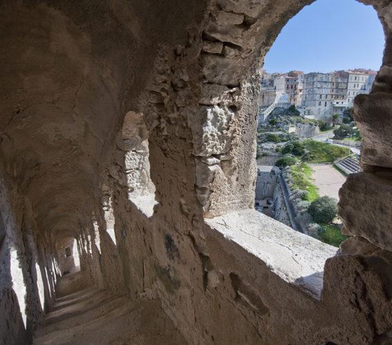 Cheminderonde, panorama, fortification, Bonifacio, Corse.jpg