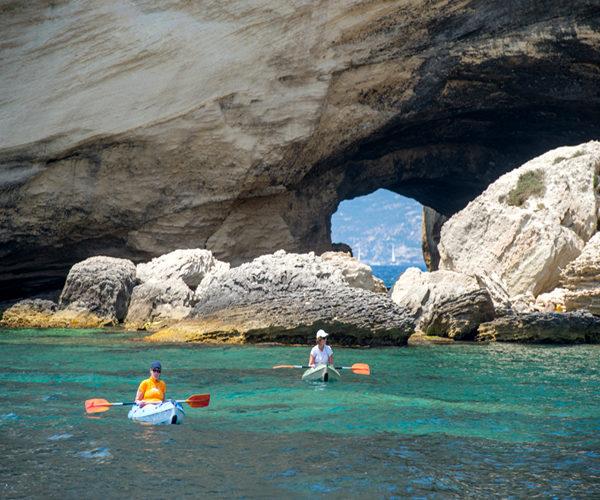 Grotte-balade-Bonifacio-activités-Corse.jpg