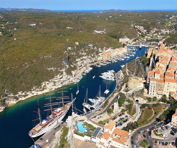 Ports-bateaux-voilier-Bonifacio-Corse.jpg