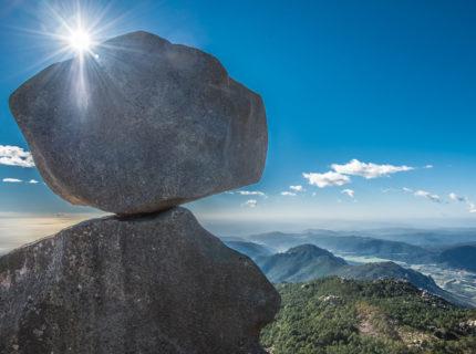 Sentier-Uomo-Dicagna-sudcorse-montagne.jpg