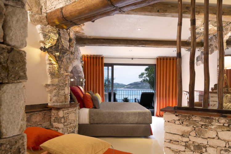 hotel-capubiancu-vue-Bonifacio.jpg