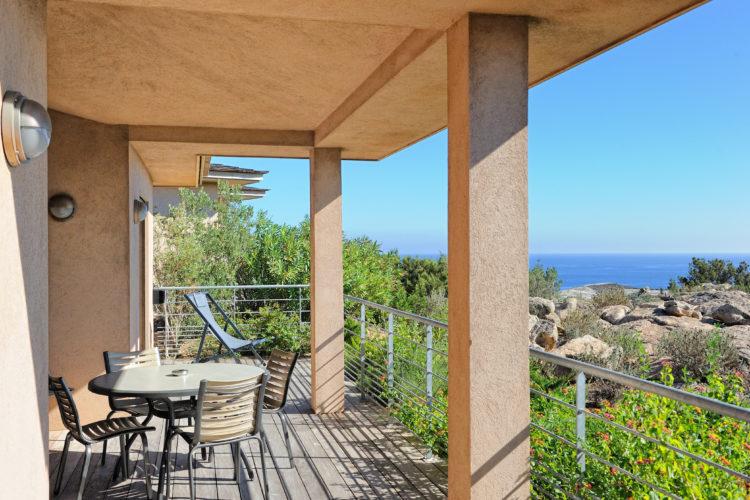 Résidence-terrasses-rondinara-piscine-Bonifacio-Cors.jpg