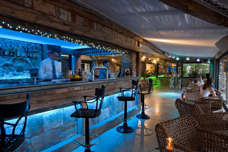 Restaurant-capubiancu-Bonifacio-plage.jpg