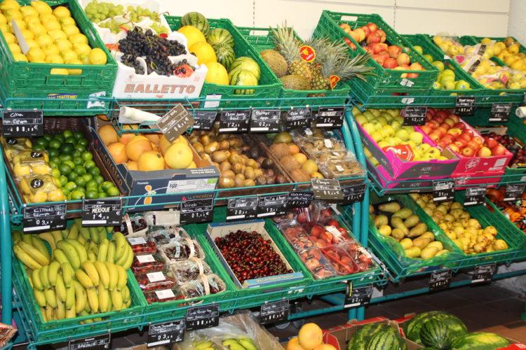 Spar-port-supermarché-fruits-Bonifacio.jpg
