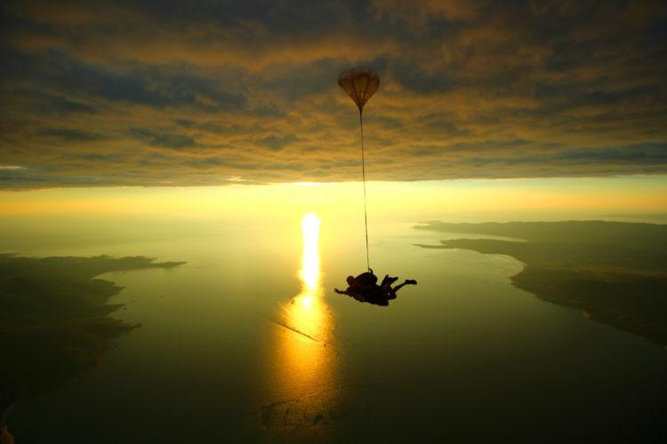 Tandem-ecole-parachutisme-paysages-Corse.jpg