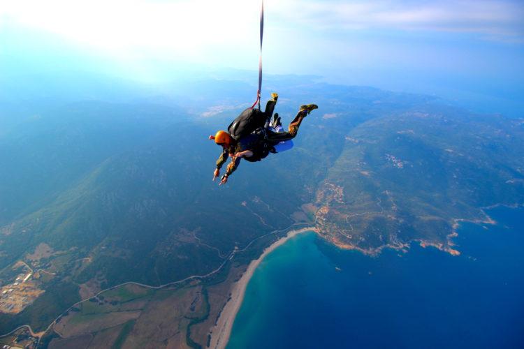 Tandem-ecole-parachutisme-propriano-Corse.jpg