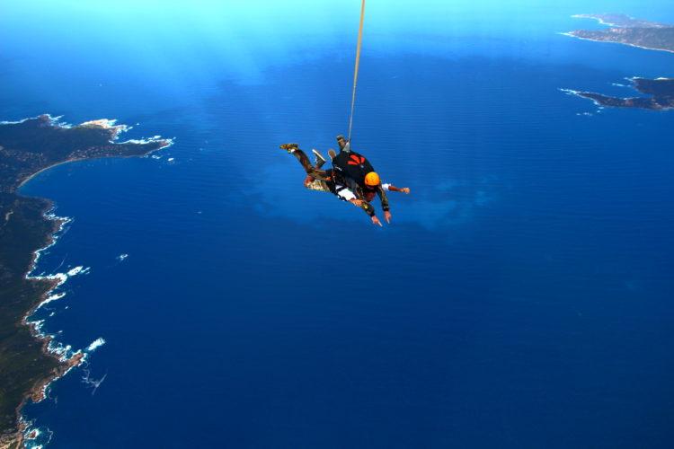 Tandem-ecole-parachutismes-Corse.jpg