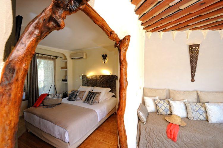 Chambre-charme101-salon-et-chambre.jpg