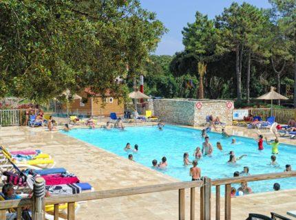 Camping-campdiliccia-piscine-bonifacio-corse.jpg