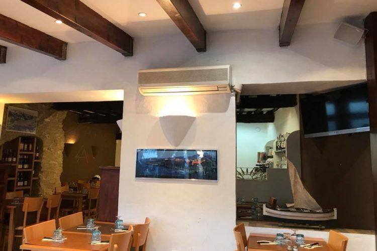 Restaurant-Bonifacio-lesamis-Corse.jpg