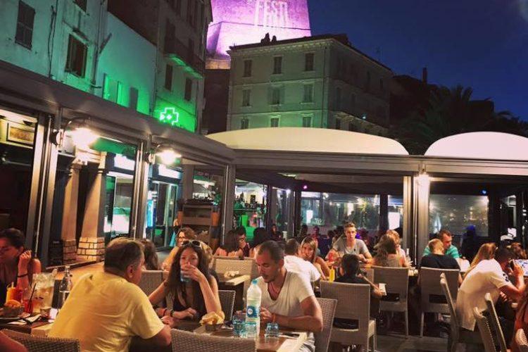 Restaurant-Bonifacio-lesamis-soirée-Corsica.jpg