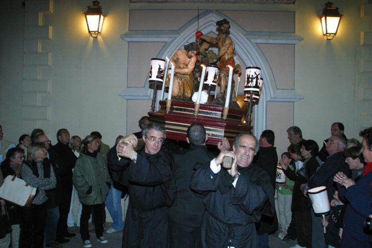Procession-chasse-moment-religion-Bonifacio