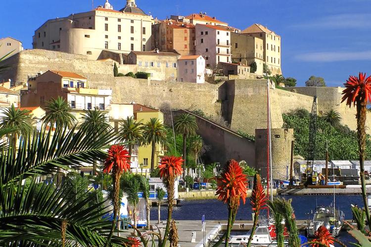 Calvi-microrégion-ville-pays-Corsica