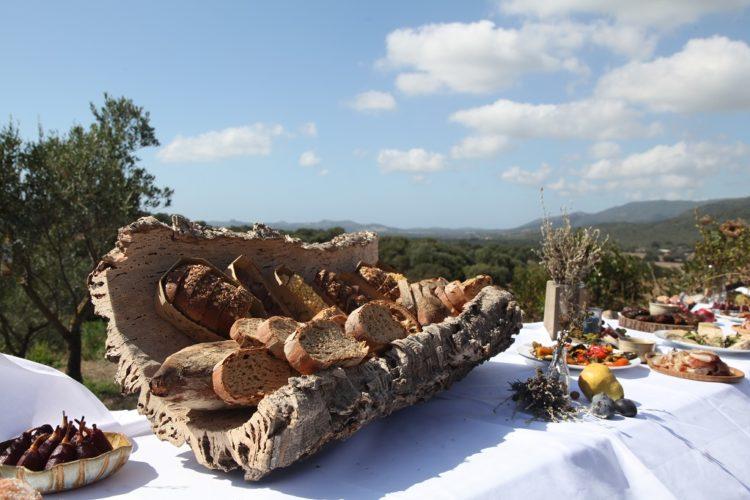 Traiteur-jr-organic-Bonifacio-repas-ambiance.jpg